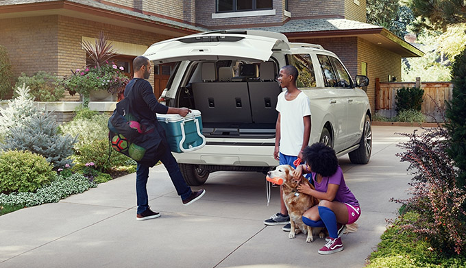 Ford Expedition in driveway