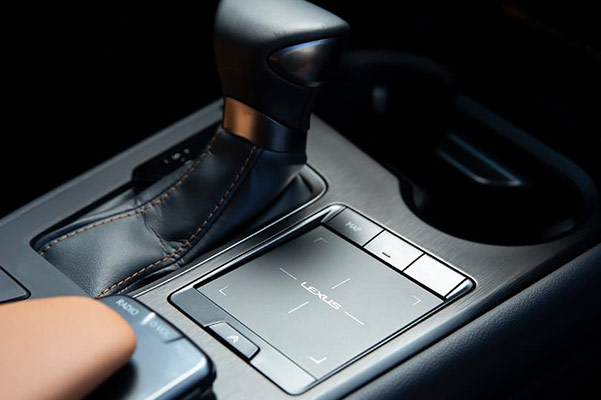 New 2019 Lexus UX shift control